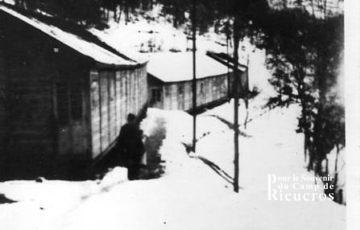 Photo des baraques à Rieucros en 1978